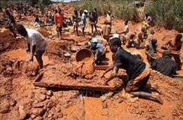 Ngập mỏ vàng khai thác trái phép, hàng chục người mất tích