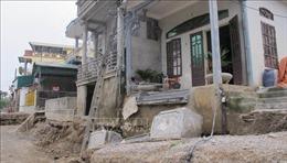 Đường dân sinh ở Ninh Bình bất ngờ sụt lún
