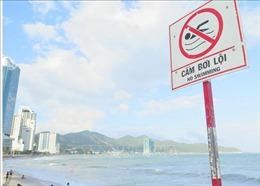 Tắm tại nơi có biển cấm, hai du khách Nga bị đuối nước ở Nha Trang
