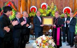 Phó Thủ tướng Trương Hòa Bình thăm và chúc mừng Giáng sinh tại Giáo phận Huế
