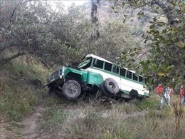Xe buýt rơi xuống vực tại Colombia, toàn bộ 19 người thương vong