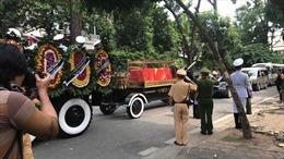 Đoàn xe tang đưa nguyên Tổng Bí thư Đỗ Mười về qua tư gia