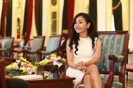 Trần Uyên Phương truyền cảm hứng 'Vượt lên người khổng lồ' cho doanh nhân Việt