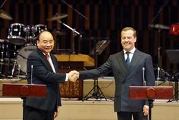 Thủ tướng Nguyễn Xuân Phúc và Thủ tướng Nga Dmitri A. Medvedev dự lễ khai mạc Năm hữu nghị chéo Việt - Nga