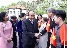 Thủ tướng Nguyễn Xuân Phúc gặp gỡ  cộng đồng người Việt Nam tại Thụy Điển