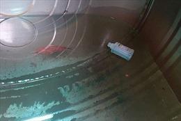 Đối tượng bỏ thuốc diệt cỏ vào bể nước sinh hoạt, luật sư nhận định tội gì?