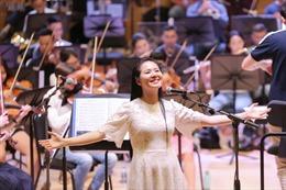 Khán phòng tập luyện cho live-concert 'Trăng Hát' – cuộc hội ngộ của những ngôi sao