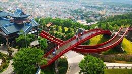 Cuộc chuyển dòng ngoạn mục của du lịch Quảng Ninh