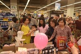 VinMart khai mạc 'Tuần lễ hàng hóa Hàn Quốc', khách chen nhau mua sắm trong ngày 20/10