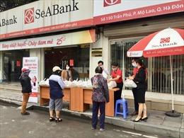 SeABank trao tặng 35,2 tấn gạo cho người nghèo trên toàn quốc trong mùa dịch COVID-19