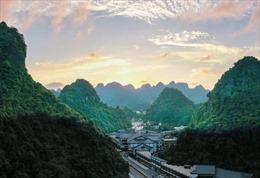 Lý giải sức hút bốn mùa của du lịch Quảng Ninh bây giờ