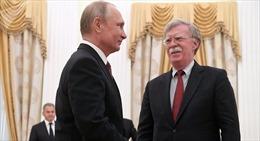 Cố vấn An ninh Quốc gia Mỹ đổi giọng về Syria trước thềm thượng đỉnh Trump-Putin