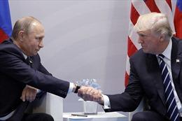 Điểm lại 11 lần Tổng thống Trump khen người đồng cấp Putin