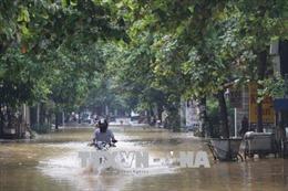 Ngập cục bộ và chia cắt Quốc lộ 18A (Quảng Ninh) do mưa lớn