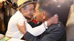 Ngày đoàn tụ đẫm nước mắt của hơn 90 gia đình Triều Tiên ly tán bởi chiến tranh