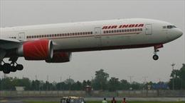 Phi công hạ cánh máy bay hết nhiên liệu cứu sống 370 hành khách