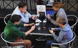 Cảnh báo tình trạng lạm dụng thiết bị số để né tránh giao tiếp