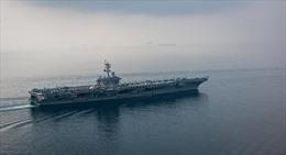 Iran vừa 'khoe' khu trục hạm tàng hình, Mỹ điều ngay tàu sân bay tới Vịnh Ba Tư 'dằn mặt'