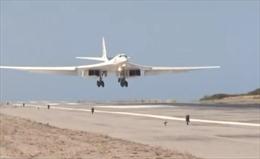 Mục đích thực sự của 'oanh tạc cơ' Tu-160 Nga đến Venezuela là gì?