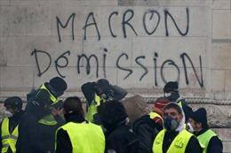 Pháp nín thở chờ đợt biểu tình bạo loạn thứ 5 đòi Tổng thống Macron từ chức
