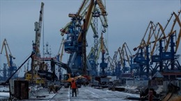 Cảng Mariupol 'thoi thóp' giữa căng thẳng Nga-Ukraine