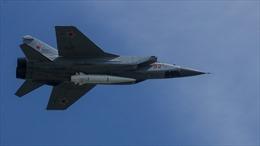 Mỹ lo lắng trước vũ khí siêu thanh 'vô đối' của Nga và Trung Quốc