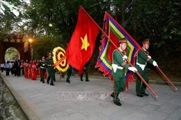 Dâng hương tưởng niệm các Vua Hùng đêm giao thừa Tết Kỷ Hợi 2019