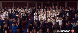 Bất ngờ với phản ứng của giới nghị sĩ Dân chủ dành cho Tổng thống Trump