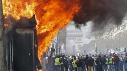 Cảnh sát trưởng Paris bị sa thải vì làn sóng bạo động 'Áo vàng'