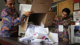 Kiệt sức vì kiểm phiếu bằng tay, gần 300 nhân viên bầu cử Indonesia tử vong