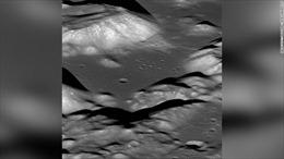 NASA cho xem bằng chứng Mặt Trăng đang bé lại