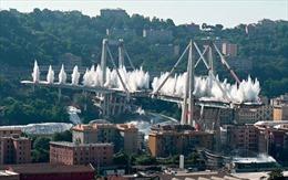 Khoảnh khắc cây cầu Italy bị giật sập trong vòng 7 giây