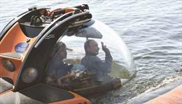 Tổng thống Putin lặn sâu 50m xuống lòng biển ngắm xác tàu ngầm Liên Xô