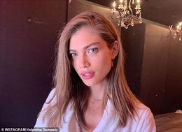 Người chuyển giới đầu tiên gia nhập hàng ngũ 'thiên thần nội y' của Victoria's Secret