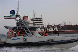 Iran dùng chiến thuật xuồng cao tốc đối phó với phương Tây ra sao?