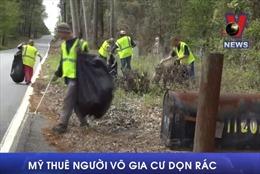 Mỹ thuê người vô gia cư dọn rác