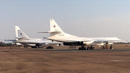 Oanh tạc cơ chiến lược Nga vượt 11.000 km lần đầu hạ cánh xuống Nam Phi