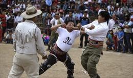 Lễ hội đánh nhau để 'xóa bỏ hận thù', chào đón năm mới của người Peru
