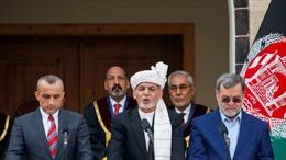 Video Tổng thống Afghanistan bình tĩnh tuyên thệ giữa tiếng nổ súng xung quanh