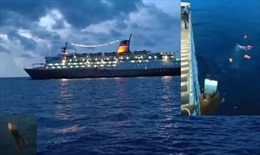 Tàu bị cấm cập cảng vì sợ COVID-19, hành khách nhảy xuống biển bơi vào bờ
