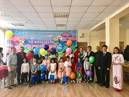 Công tác dân vận trong tổ chức lớp học tiếng Việt tại Nga