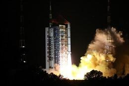 Khoảnh khắc Trung Quốc phóng thành công vệ tinh quan sát đại dương