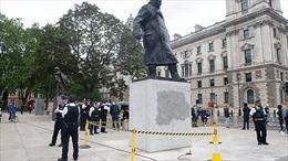 Nghị sĩ Anh muốn phạt tù những kẻ phá tượng đài trong biểu tình