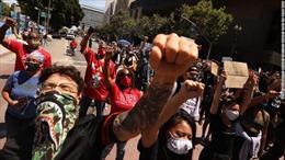 Người nhập cư rơi vào thế khó khi muốn tham gia biểu tình ở Mỹ