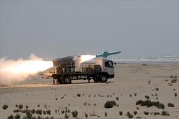 Video tên lửa chống hạm mới nhất của Iran phá tan mục tiêu trên biển