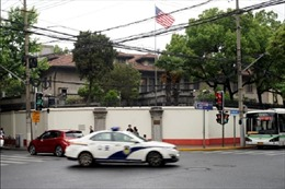 Bất đồng về cách ly, Mỹ hoãn đưa các nhà ngoại giao trở lại Trung Quốc