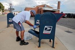 Khủng hoảng bưu chính lan rộng khắp nước Mỹ khi bầu cử đến gần