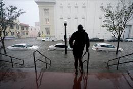 Miền Nam nước Mỹ mênh mông biển nước sau bão Sally