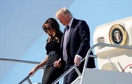 Tổng thống Mỹ Trump và Đệ nhất Phu nhân bắt đầu quy trình cách ly phòng COVID-19