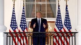 Mắc COVID-19, Tổng thống Trump nắm giữ lợi thế mà ứng viên Biden không có